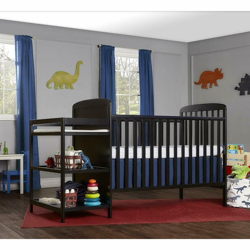 Dream On Size Crib and Changing Table Combo